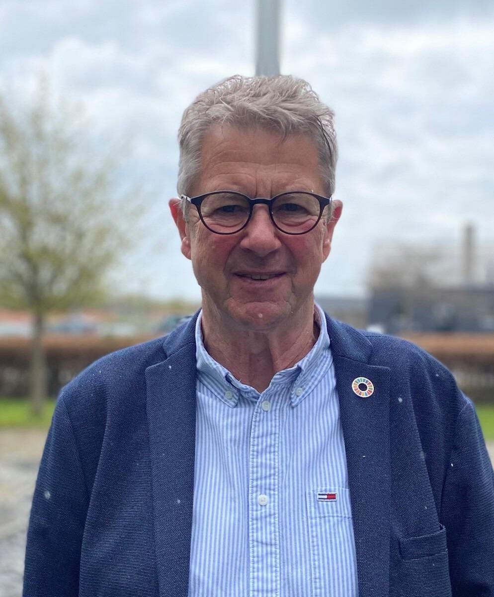 Morten Flæng - smiler tættere på